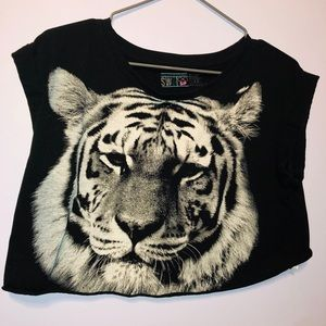 Cute tiger cropped top